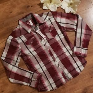 NWT Juniors red flannel shirt
